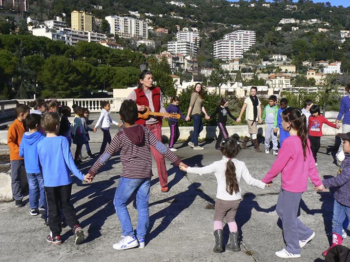 Helene et les enfants