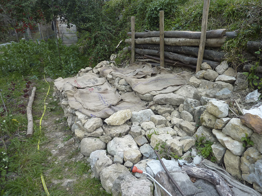 Mars 2014 les jardins du loup for Jardiniere en pierre seche